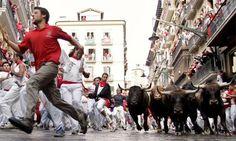 Pamplona uma Cidade de Touros e Festa - Bilhete de Viagem