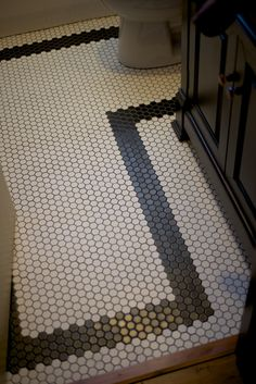 1in Hex Tile With Gray Grout And Black Border Tile Marble