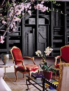 Nevelsonesque backdrop   Traditional Living Room by Robert Couturier in New York City