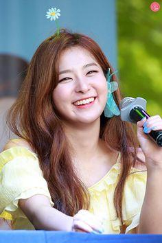 Kpop Girl Groups, Korean Girl Groups, Kpop Girls, Red Velvet Seulgi, Red Velvet Irene, Park Sooyoung, K Pop, Coral, Kang Seulgi