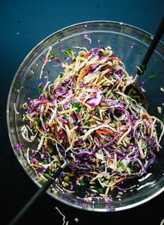 Simsple Seedy Slaw by cookieandkate: This healthy slaw recipe tastes amazing. It's made with a simple lemon dressing and features toasted sunflower and pumpkin seeds. Gluten free and vegan. #Salad #Slaw #Cabbage #Carrots #Seeds #Healthy