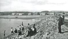 Ardrossan North Shore 1930s Old Photographs, Old Photos, West Coast Scotland, North Shore, 1930s, Paris Skyline, The Past, Spaces, Travel