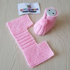 10 Free Knitting Patterns For Baby Shoes Famous Last Words Babyknits - Diy Crafts Baby Booties Knitting Pattern, Knit Baby Booties, Loom Knitting Patterns, Booties Crochet, Crochet Baby Shoes, Free Knitting, Crochet Beret, Diy Crafts Knitting, Diy Crafts Crochet
