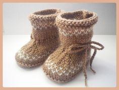 Chaussons / Bottes bébé laine lien à nouer 0/3/6 mois