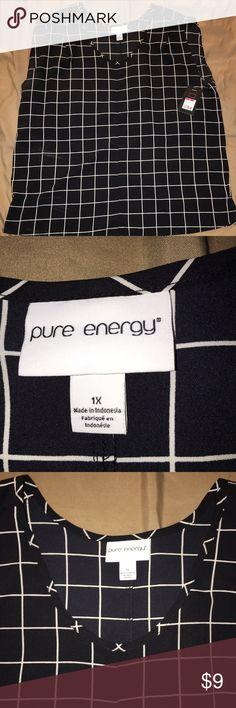 Black & white sleeveless blouse Black and white sleeveless blouse great for work and play. Pure Energy Tops Blouses