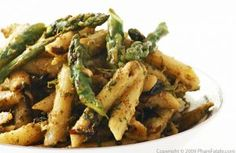 Parsley-Walnut Pesto Penne Pasta with Asparagus