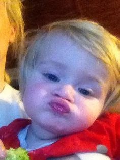 I swear this kid has had lessons from niall on haw to do a perfect duck face theo horan ♥♥♥♥ Greg Horan, James Horan, Denise Horan, Niall Horan Facts, Kissy Face, Niall And Harry, Second Love, Duck Face, Irish Boys