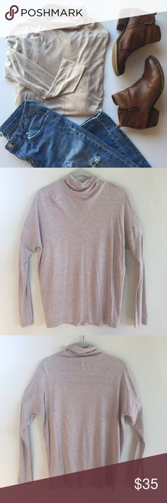 🔸 Gap 🔸 Mock Neck Dolman Sleeve Top This long sleeve tee with dolman sleeves and a mock neck is the perfect piece to transition into fall with.  Lightweight and easy to layer or wear on its own. 🔸Bundle & Save! 🔸 GAP Tops Tees - Long Sleeve
