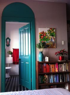 Design Crush: Painted Interior Doors - A Design Story paint an arch over the door to add extra detail. LOVE that idea for a tall wall. Painted Interior Doors, Interior Paint Colors, Painted Doors, Interior Painting, Interior Plants, Teal Door, Turquoise Door, Turquoise Bathroom, Bedroom Turquoise
