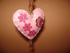 Coração em feltro para pingente de cortina infantil ( colaboração Sônia) -2
