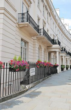 Grosvenor Crescent - The average home value in this part of London ranges from £6.8 million to as much as £21 million.