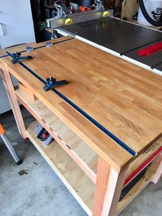 Table Saws overall outfeed / assembly table - Allows jigs and fixtures to slide in almost any direction. Woodworking Bench For Sale, Woodworking Tool Kit, Woodworking Workbench, Woodworking Workshop, Woodworking Furniture, Woodworking Projects, Woodworking Logo, Woodworking Classes, Woodworking Books
