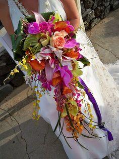 Tropical Trailing Bouquet - Wedding look