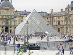 Louvre Pyramid Louvre Pyramid, Some Pictures, Paris, Building, Summer, Travel, Montmartre Paris, Summer Time, Viajes