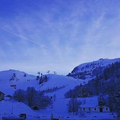 """CHAMROUSSE - Mon hiver à Chamrousse : @lalotte38 """"La neige arrive et ça devrait être que le début  #chamrousse #neige #ski"""""""