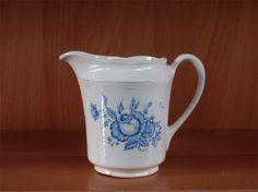 Arabia maitokannu Finland, Stuff To Do, Pots, Porcelain, Pottery, Ceramics, Dishes, Tableware, Glass
