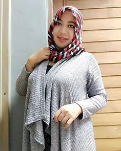 You can delete pictures but you can't delete the very warm memories 😉 Big Fashion, Hijab Fashion, Womens Fashion, Moslem, Muslim Wedding Dresses, Baggy Clothes, Turkish Fashion, Hijab Chic, Girl Hijab