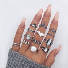 Claws + midi rings.