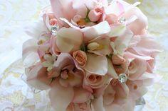 Spinning WEB Florist. Hawaii Wedding Florist. Hawaii Wedding Flowers