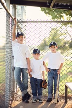 Brothers.  Boys baseball session.  Kelly Beane Photography