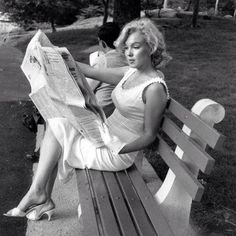 """I did not mind that people thought I was dumb...I knew I wasn't.""  ~ Marilyn Monroe"