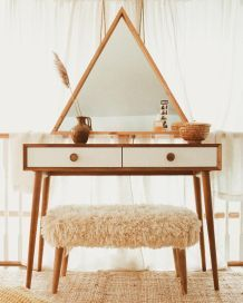 Boho style 471400285998233828 - 40 Fantastic DIY Vanity Ideas So amazing. If you love the Boho style, DIY this! Source by bigdiyideas Bedroom Makeup Vanity, Makeup Table Vanity, Vanity Decor, Vanity Ideas, Dyi Vanity, Small Vanity Table, Diy Vanity Table, Vanity Desk With Mirror, Vanity Set