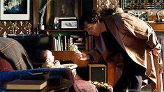 [GIF] SHERLOCK S4 E1: The Six Thatchers. Benedict Cumberbatch.
