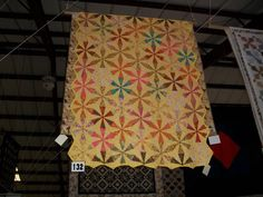 ENDLESS CHAIN QUILT............PC