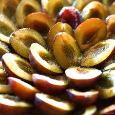 Alsaský švestkový koláč Plum, Sweets, Dishes, Baking, Fruit, Eastern Europe, Food, Cakes, Gummi Candy