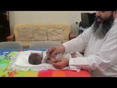تنمية المهارات الدقيقة للابنة ريم شهر ونصف مع اسامة مدبولي , متلازمة داو... Down Syndrom, Toddler Bed, Child Bed