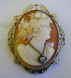 FINE VICTORIAN CARVED CAMEO LADY WEARING A DIAMOND NECKLACE 14k GOLD LOVELY!