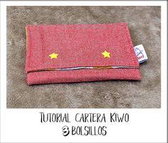 Tutorial Cartera Kiwo 3 bolsillos - Kiwa Kawaii Continental Wallet, Kawaii, Sewing, Handmade, Mini, Fashion, Gingham Quilt, Fabric Wallet, Coin Purse Tutorial