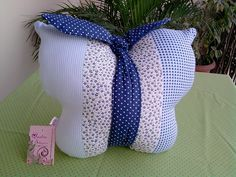 Sewing, Crafts, Butterfly Cushion, Molde, Tela, Funny Throw Pillows, Pillowcases, Butterflies, Bedroom Decor