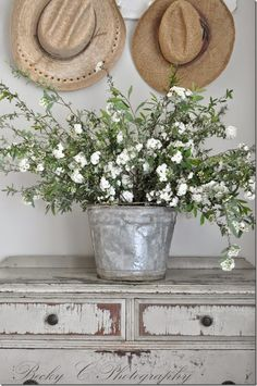 French Decor Elements: Add the Warmth and Inviting Rustic Look – Self Home Decor Cottage Style, Farmhouse Style, Farmhouse Decor, French Decor, French Country Decorating, Do It Yourself Furniture, Boho Home, Deco Floral, Décor Boho