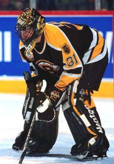 Blaine Lacher Ice Hockey Teams, Hockey Goalie, Hockey Games, Boston Bruins Goalies, Boston Sports, National Hockey League, England, Play, Masks