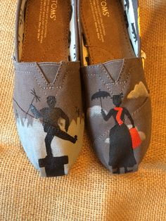 Mary Poppins painted TOMS van HeartsNSoles op Etsy