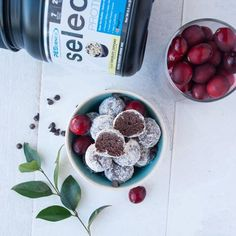 Looking for a simple and delicious {protein packed} treat!? Look no further! Healthy Snowball Brownie Bites ❄️ Ingredients 1/2 c oat flour (gluten-free if necessary)* 1 scoop chocolate protein powder 32g (I used Chocolate Frosted Cupcake @pescience 30% off code PBCHOCO) 3 tbsp. natural peanut butter* I'm 2 tbsp. unsweetened cocoa powder 1/4 c unsweetened almond milk 1/2 tsp. vanilla extract vanilla protein powder for coating (I used Gourmet Vanilla PEScience)