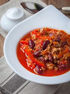 all recipes comfort food: Chili con carne. NONE - Comfort Food Recipes Chorizo Recipes, Mexican Food Recipes, Healthy Recipes, Ethnic Recipes, Savoury Recipes, Convenience Food, Eating Habits, Appetizer Recipes, Meal Prep