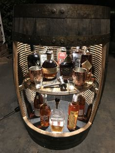 Whiskey Barrel Bar, Whisky Bar, Wine Barrels, Tonneau Bar, Bar Sala, Whiskey Room, Barrel Projects, Wine Barrel Furniture, Home Bar Designs
