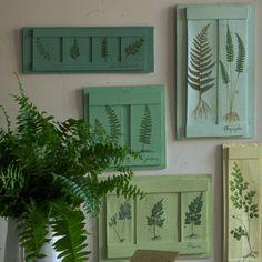 Des tableaux en bois décorés de fougères