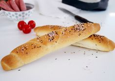 Best Bread Recipe, Bread Recipes, German Baking, German Desserts, Snacks Für Party, Good Enough To Eat, Pampered Chef, Hot Dog Buns, Baguette