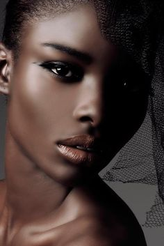 There is an edge and yet its border is so soft.  Jeneil Williams' looks epitomize the feminine grace.
