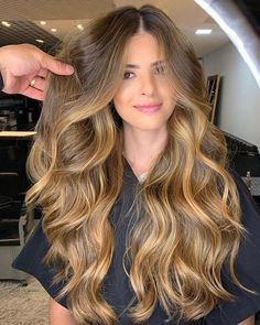Blonde Wigs Lace Front Hair Affordable 613 Wig – Shebelt mall O cabelo acobreado Brown Hair Balayage, Balayage Brunette, Brunette Hair, Ombre Hair, Honey Balayage, Balyage Long Hair, Bayalage, Honey Blonde Hair, Blonde Hair With Highlights