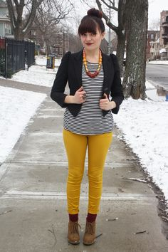 I just love yellow pants! Yellow Pants, Colored Pants, Paint By Number, My Outfit, Outfit Ideas, Beautiful Outfits, Kansas, Love Fashion, What To Wear