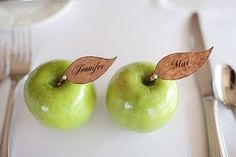 Apple place cards...perfect for fall #weddings