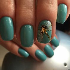 One more time we can see how golden pattern or detail can enrich all manicure.