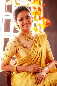 Actress Keerthi suresh in bridal silk saree photos. She is so beautiful in wedding silk sarees with matching blouses and jewellery. Hindu Girl, Hindu Bride, Kerala Bride, Bridal Silk Saree, Saree Wedding, Silk Sarees, Gold Silk Saree, India Wedding, Punjabi Wedding