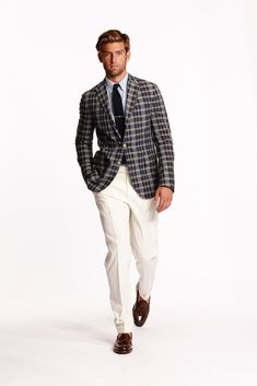 See all the Collection photos from Ralph Lauren Spring/Summer 2015 Menswear now on British Vogue Latest Mens Fashion, Mens Fashion Suits, Blazer Fashion, Ralph Lauren Hombre, Polo Ralph Lauren, Gents Fashion, Look Fashion, Male Fashion, Fashion Ideas