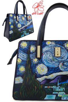 Borsa dipinta a mano – La notte stellata di Van Gogh: La borsa della veduta notturna più famosa! Per informazioni, invia una mail a info@artelisanti.it The world's most famous night view on a new bag; to wear the art ... ArteLisanti! For informations mail to info@artelisanti.it  #borsedipinte #accessoriDipinti #Bag #borse #bags #ArteLisanti #fashion #fashionable #musthave #photooftheday #fashionstyle #fashionblogger #outfit #Glamour #chic #moda #ThePaintingToWear #love #handpaintedbag