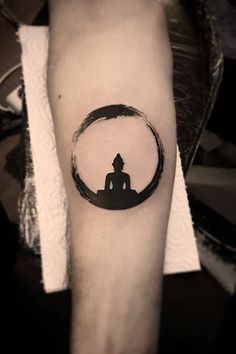 Awesome buddha tattoos and The Meaning - Shows Inner Peace The second reason why a Buddhist Ganesha Tattoo Lotus, Zen Tattoo, Namaste Tattoo, Make Tattoo, Lotus Tattoo, Moon Tatto, Tattoo Ink, Buddha Tattoo Design, Shiva Tattoo Design